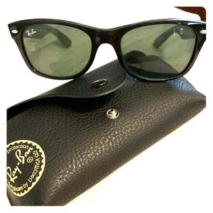 New wayfarer Ray-Bans